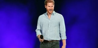 Prince Harry's backstage selfies are a sign (Image: Getty Images)