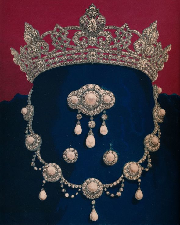 Queen Alexandra's wedding necklace is said to be worth around £860,000