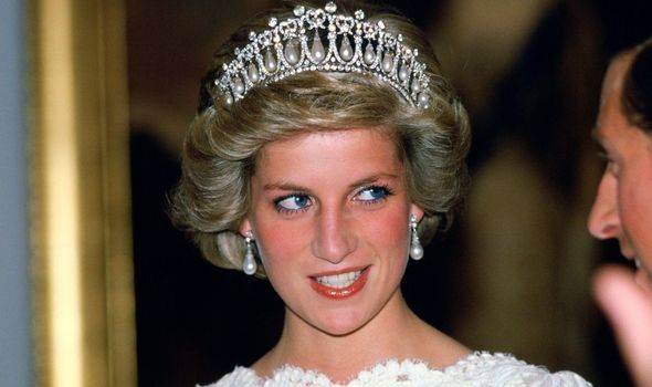 Queen Mary's Lover's Knot Tiara has been worn by both Princess Diana and Kate Middleton