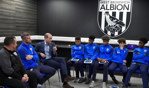 William meets West Bromwich Albion FC's Academy as part of the Heads Up campaign(Image: Getty)