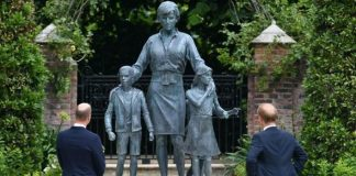 Prince Harry called the statue 'amazing'
