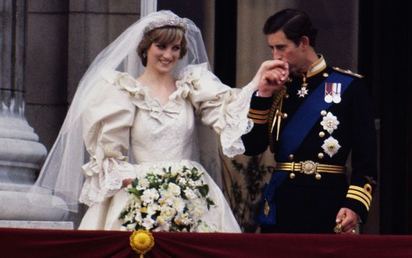 Prince Charles and Diana kissed on the balcony