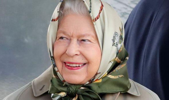queen news balmoral picnic queen elizabeth ii great grandchildren visit royal family news