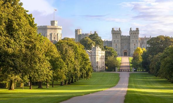 Picture of changing of the guards at Windsor Castle