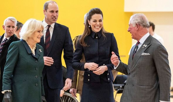 Royals: Other members of the family to join Queen