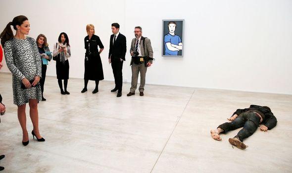 Shock: Kate encounters 'dead' body in art gallery