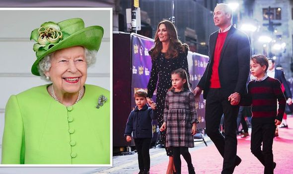 The Queen smiling and the Cambridges