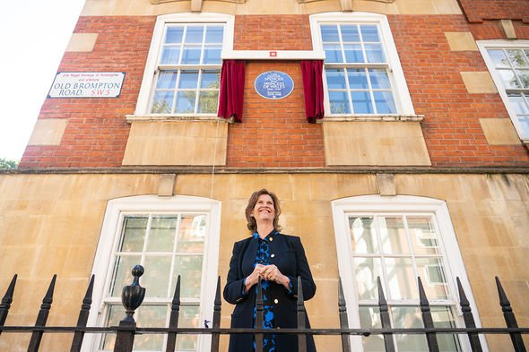 Princess Diana's former flatmate Virginia Clarke with an English Heritage blue plaque to Diana, Princess of Wales, outside Coleherne Court, Old Brompton Road, London. Picture date: Wednesday September 29, 2021