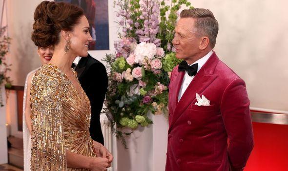 Kate Middleton meeting Daniel Craig at the James Bond premiere