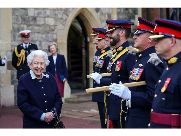 The Queen met Royal Regiment of Canadian Artillery